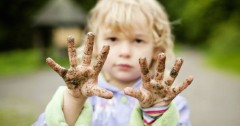 The Dirt on Eating Dirt - What Parents Should Know About  Food Allergies