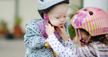 Bicycle Safety Review - Bicycle Safety Rules Every Family Should Follow