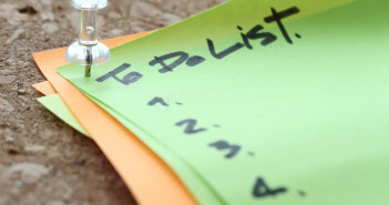 About Those To-Do's That Never Get Done: What Those Carryover Tasks Are Trying to Tell You via http://momeomagazine.com