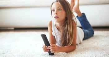 What Your Tween Needs to Know Before Staying Home Alone by @SafetyMom via http://momeomagazine.com