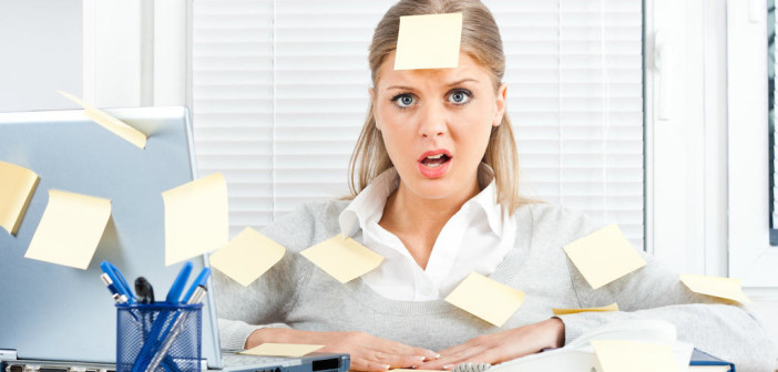Less Gets More Done : Why That Long To-Do List is Your Downfall via http://momeomagazine.com