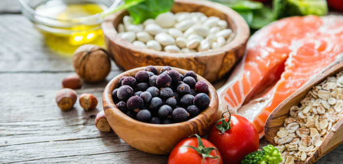 Healthy Eating: Where to Start? 3 Simple Rules to Healthier Eating by @Deb_Lowther via http://momeomagazine.com