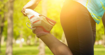 Outdoor Fitness: A Cardio/Lower Body Routine You Can Do Outside by @DPEverybodyFit via http://momeomagazine.com
