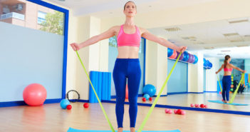 Target Your Trouble Zones With This Elastic Tubing Workout by @DPEverybodyFit via http://momeomagazine.com