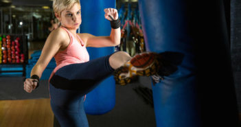 Kick Your Fitness Up a Notch With These Kickboxing Moves by @DPEverybodyFit via http://momeomagazine.com